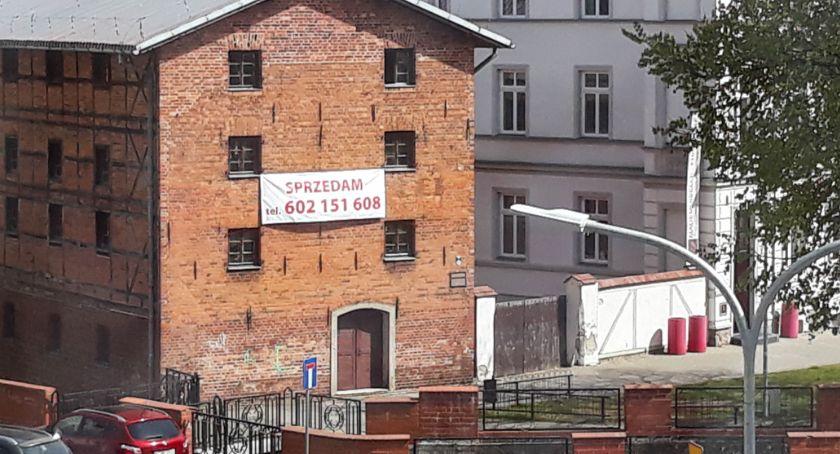Zabytkowy spichlerz w samym centrum Szczecinka jest na sprzedaż