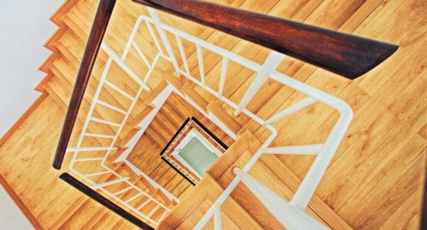 Porady, warto zainstalować swoim schody zabiegowe - zdjęcie, fotografia
