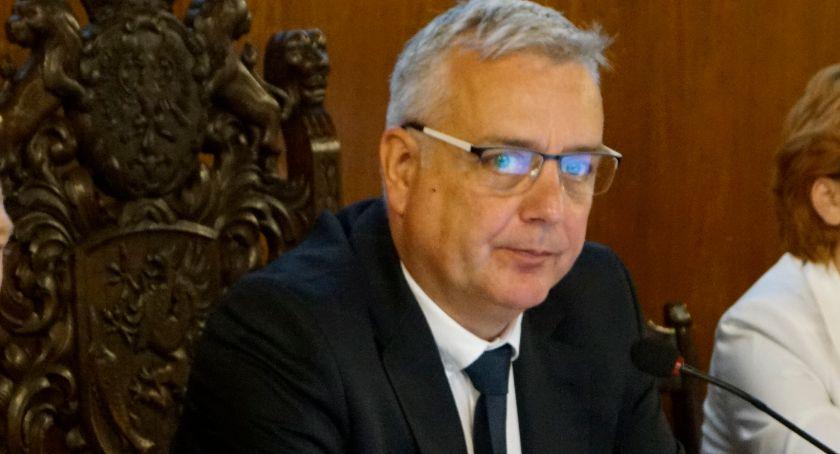Daniel Rak, burmistrz Szczecinka. Jego pomysł na zatrzymanie młodych ludzi w mieście to praca w Klastrze Meblowym i udostępnienie gruntów deweloperom