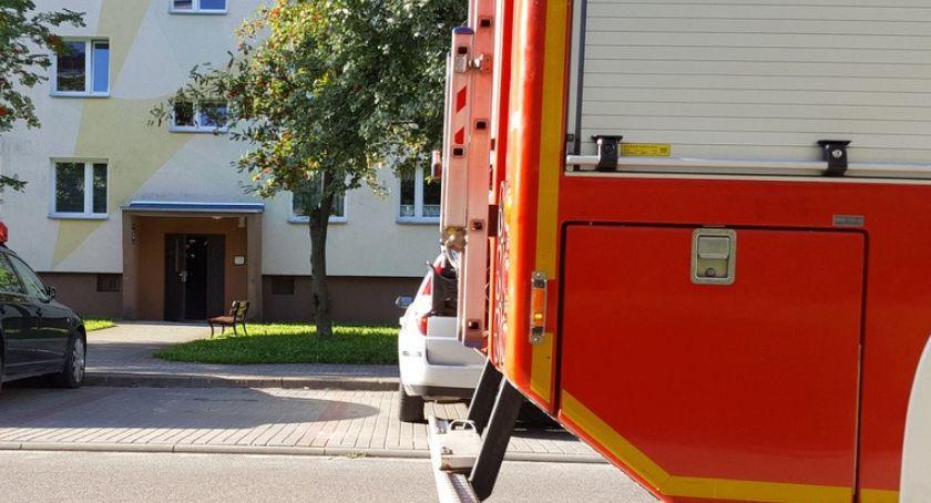 Na ul. Chełmińskiej w Szczecinku ulatniał się gaz. Tydzień pracy strażaków