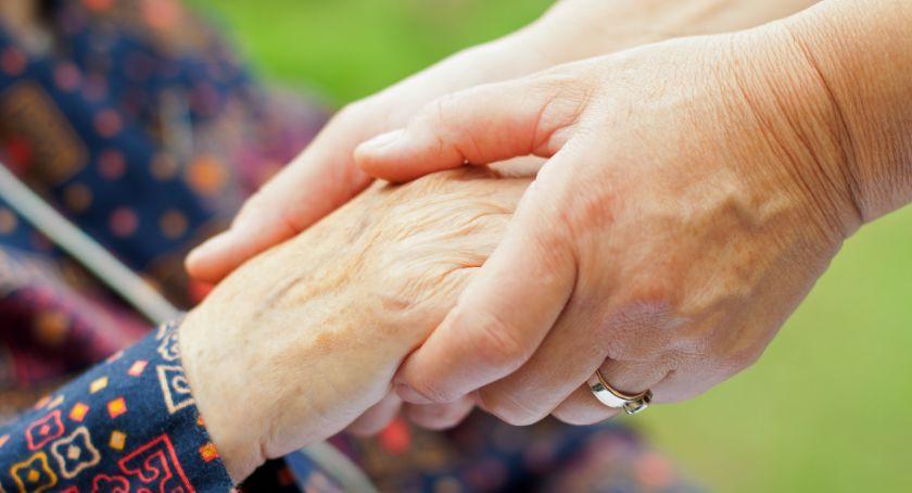 Opieka osób starszych w Niemczech – jakie cechy powinna posiadać dobra opiekunka?