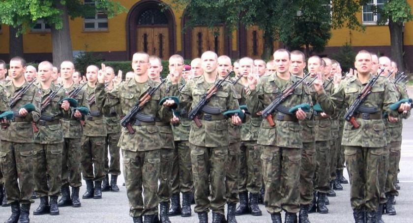 Opinie i felietony, obowiązkowa służba wojskowa powinna wrócić - zdjęcie, fotografia
