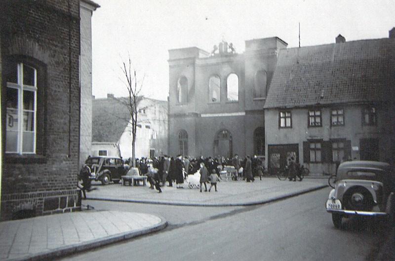 Aktualności, Stary Szczecinek Płonąca synagoga - zdjęcie, fotografia