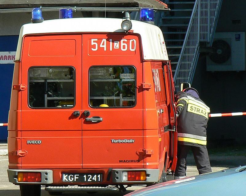 Aktualności, dachu zobaczył strażaka uciekł - zdjęcie, fotografia
