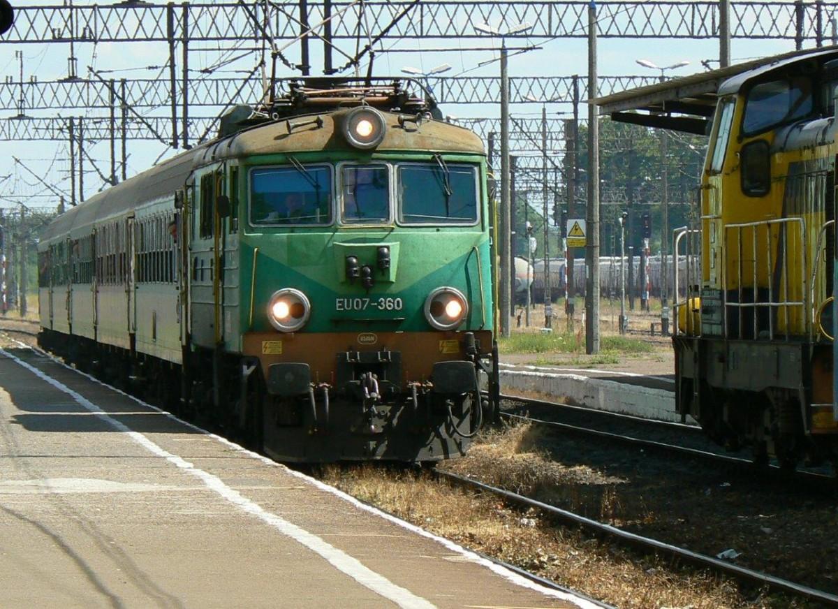 Kolej, Grudniowe zmiany torach Szczecinka pociągi znów pojadą inaczej - zdjęcie, fotografia