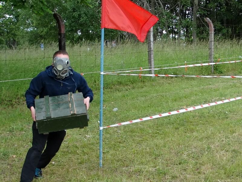 strzelectwo, Nosili skrzynki amunicją strzelali - zdjęcie, fotografia