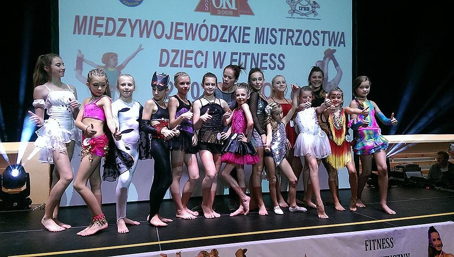 akrobatyka, Dobre występy naszych akrobatek - zdjęcie, fotografia