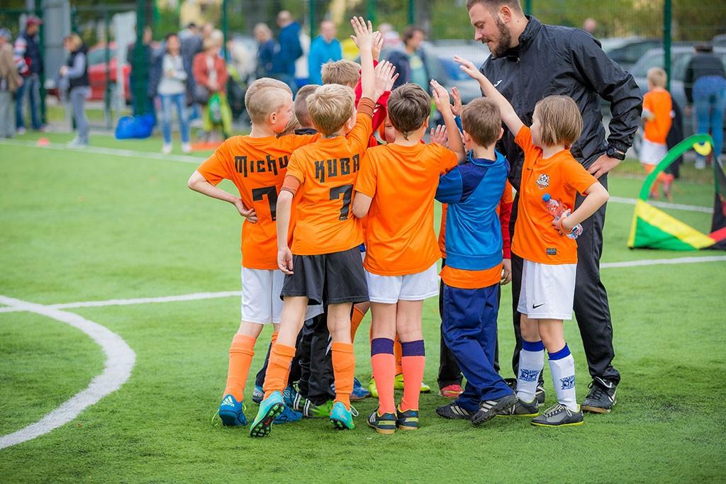 piłka nożna, Wygraj miesiąc treningów Akademii Piłkarskiej Reissa książkę legendy Lecha Poznań! - zdjęcie, fotografia