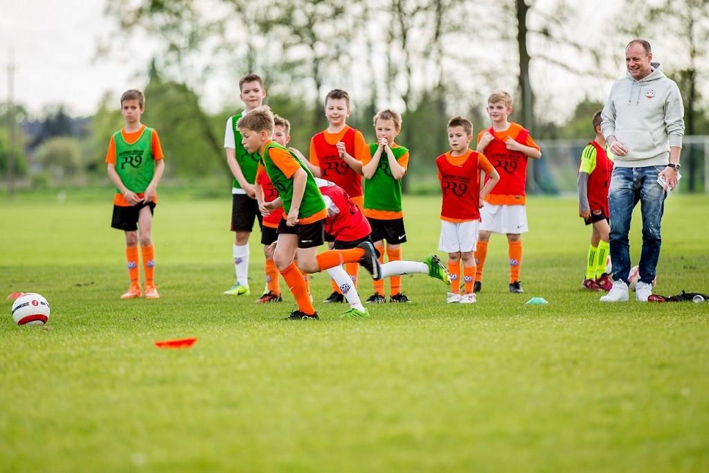 piłka nożna, Wygraj miesiąc treningów Akademii Piłkarskiej Reissa - zdjęcie, fotografia