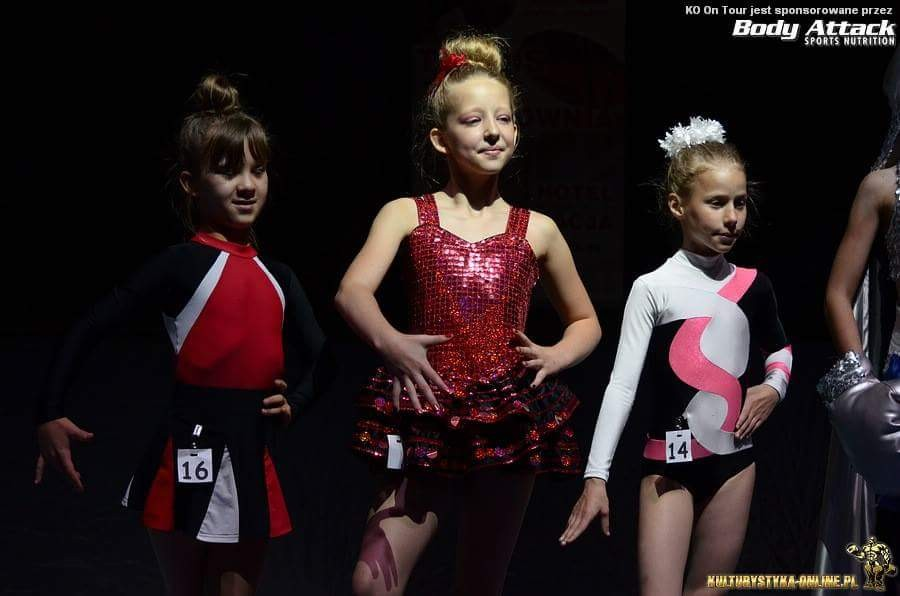 akrobatyka, Medale naszych młodych fitnessek - zdjęcie, fotografia