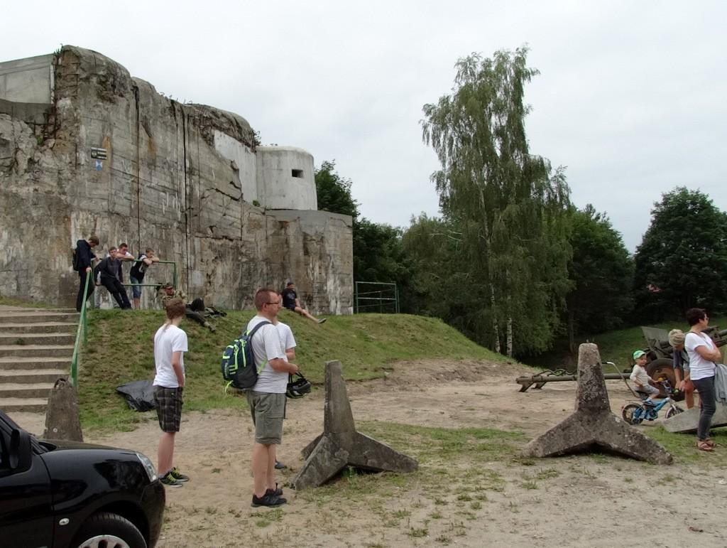 Historia, Piknik bunkrem Dziś czeka bitwa - zdjęcie, fotografia