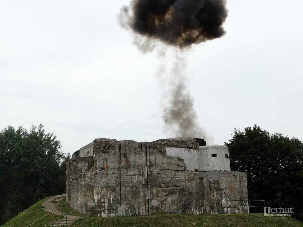 Historia, ogień serie karabinów Bunkier Szczecinku zdobyty - zdjęcie, fotografia
