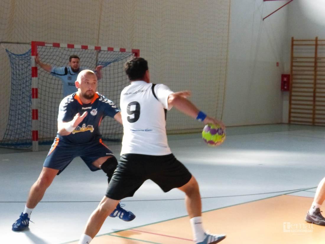 piłka ręczna, Oldboye grali piłkę ręczną - zdjęcie, fotografia