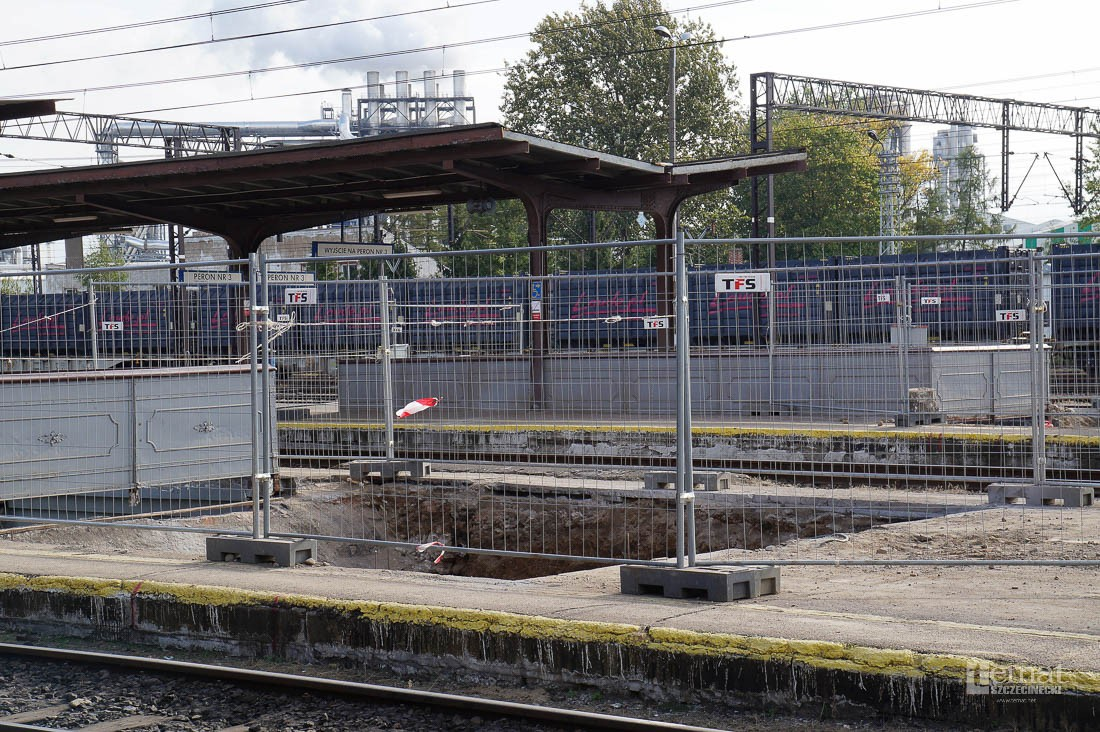 Kolej, dworcu remont rozpoczął budowy - zdjęcie, fotografia