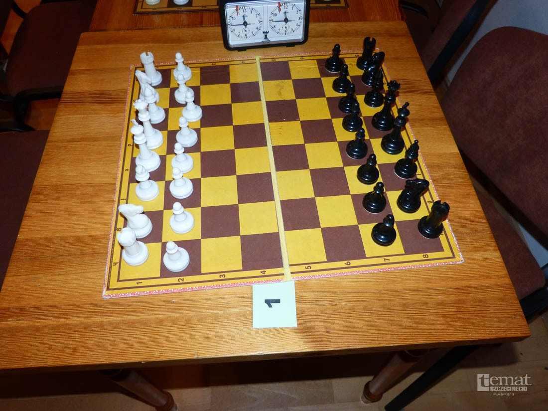 szachy, Taktyk zagrał Słowianką - zdjęcie, fotografia