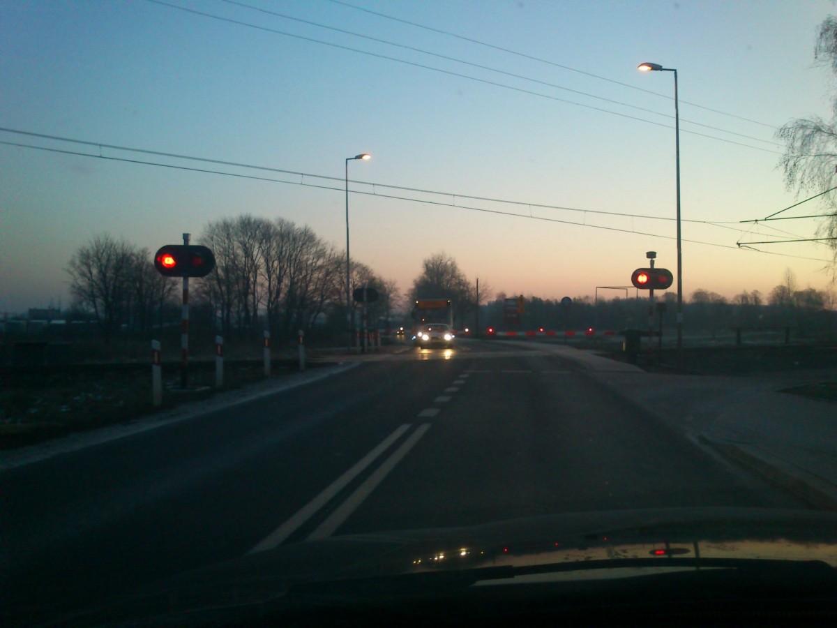 Kolej, Pociągi Szczecinka przyspieszą milionów - zdjęcie, fotografia