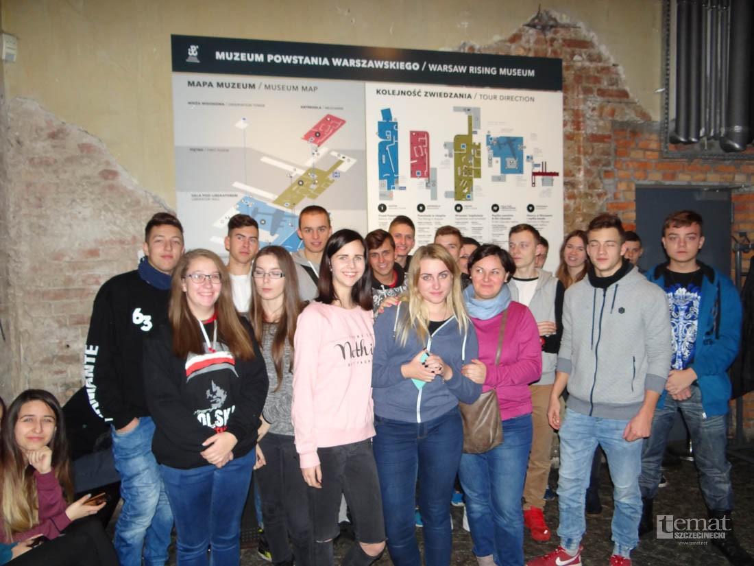 Dzieci i młodzież, była trzydniowa wycieczka Polsce - zdjęcie, fotografia