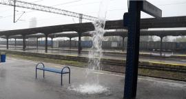 Pada jak... na dworcu PKP w Szczecinku