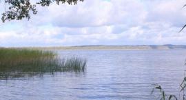 Sprzątanie jeziora Wierzchowo