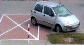 Picie alkoholu na powietrzu i mistrz parkowania z Połczyńskiej