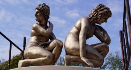 Rzeźba Dafne już zdobi Ogród Różany w Szczecinku