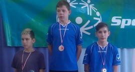 Medale młodych tenisistów ze Szczecinka