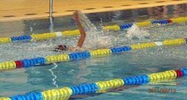 Uczniowie podstawówek i gimnazjów toczyli boje na pływalni
