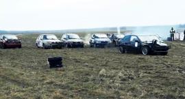 Rozbijali auta w Wilczych Laskach
