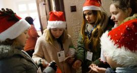 Drużyna Świętego Mikołaja na ulicach Szczecinka
