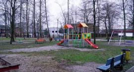 Plac zabaw już jest, ale do wyborów ma być największy w mieście