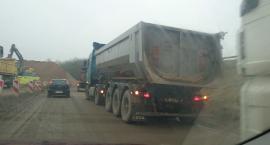 Objazdowy koszmar na Bugnie. Kto zadba o bezpieczeństwo mieszkańców?