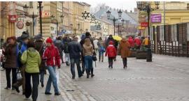 Ile osób w Szczecinku nadal poszukuje pracy i dlaczego?