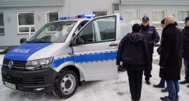 Nowy radiowóz policji w Szczecinku. Pojemność: 7 osób. Moc: 150 koni mechanicznych
