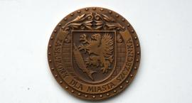 Radni odebrali miejskie odznaki esbekom. Wnioskodawca: Czuję satysfakcję