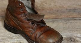 Szok! Wstrząsająca historia brązowego buta, zakopanego pod ziemią :)
