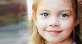 Przyczyny zapalenia spojówek u dzieci - dowiedz się kiedy warto odwiedzić okulistę dziecięcego.