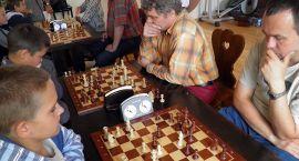 Szachiści zagrali wcześniej