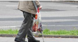 Miejska rehabilitacja seniorów. Ratusz nie przelał pieniędzy, przychodnia odwołuje zabiegi?