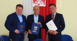 Powiat Szczecinek: Stary Chwalim z odnowioną drogą