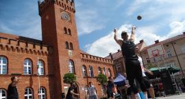 Po raz czternasty zagrali w szczecinecki streetball. Rozgrywki na placu Wolności