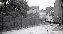Ulica Junacka, Drzymały i latarnia gazowa