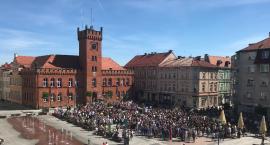 W Szczecinku także włączyli się w akcję bicia rekordu w jednoczesnym czytaniu