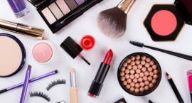 Niezbędne kosmetyki na lato, czyli obowiązkowe zakupy w drogerii kosmetycznej