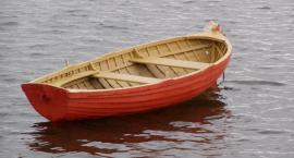 Ukradł wędkarską łódź, bo... nie chciało mu się pieszo wracać do domu