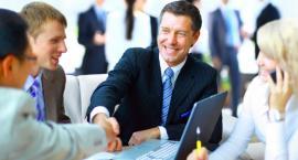Polacy coraz chętniej korzystają z instytucji pożyczkowych