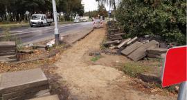 Remont ulicy, remont chodnika. Chodzić nie ma po czym