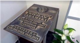 Odsłonięcie tablicy pamiątkowej Wiesława Adamskiego już niebawem