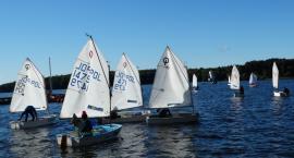 Młodzi żeglarze rywalizowali na Trzesiecku o Puchar Starosty