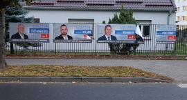 Zniszczone plakaty wyborcze Porozumienia Samorządowego. Kto porwał banery?