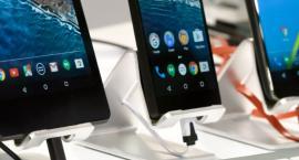 Chcieli kupić smartfona, ale nie mieli pieniędzy. No to wyłudzali kredyt